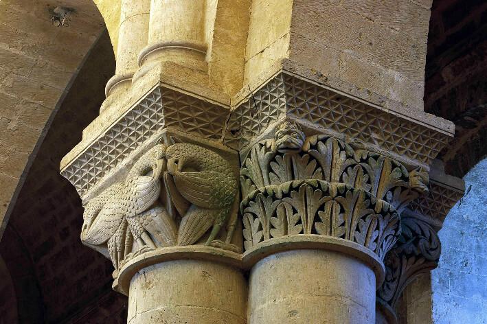 Église Saint-Pierre-d'Aulnay - Chapiteau de la nef - 2008