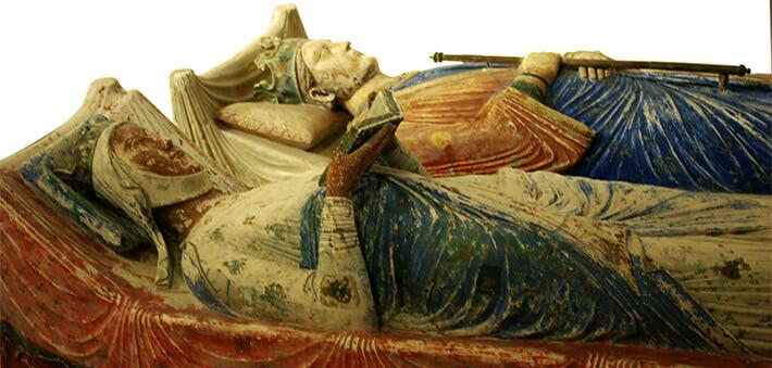 Tombeaux d'Aliénor d'Aquitaine et Henri II à Fontevraud (Maine-et-Loire) - 2006 -