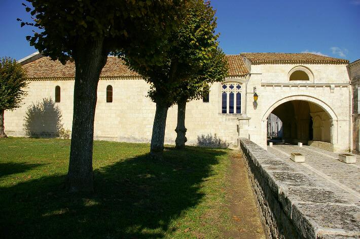 Hôpital-Neuf des Pèlerins, XIIe siècle - Pons -  2005