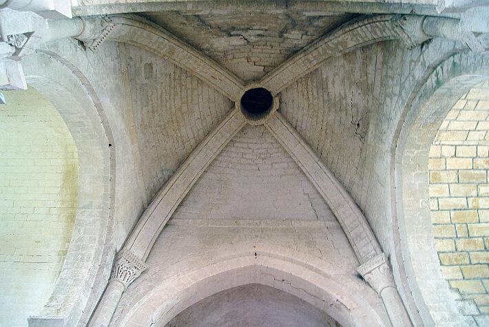 Église d'Arces-sur-Gironde - Coupole sur nervures annonçant les voûtes d'ogives - 2016
