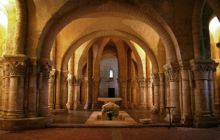 Église Saint-Europe de Saintes - Vue d'ensemble de la Crypte - 2006