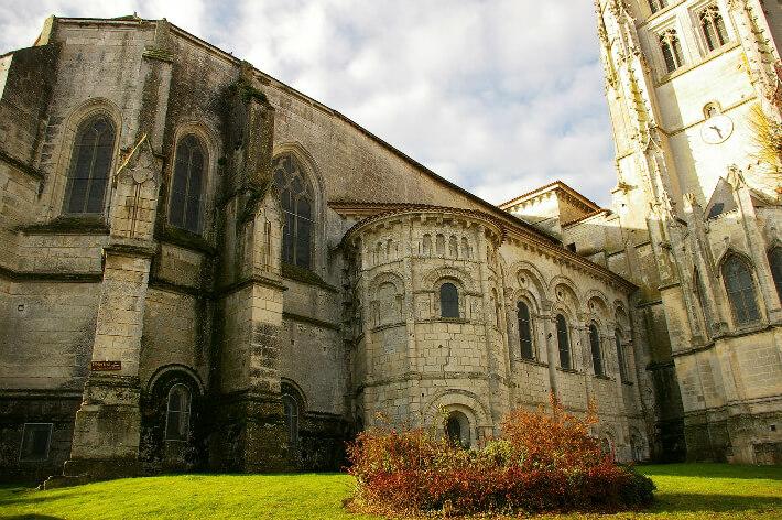 Église Saint-Eutrope de Saintes - Chevet - 2007