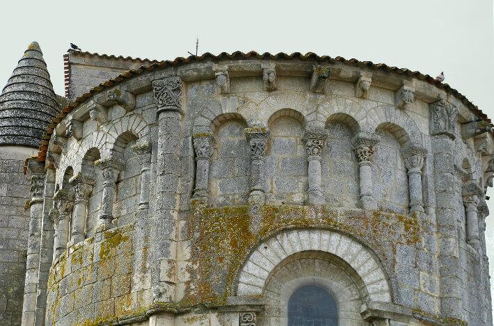 Église Saint-Etienne de Vaux-sur-Mer - Détail du chevet - 2010