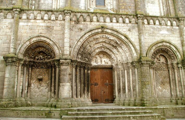 Église Saint-Pierre de Pont-l'Abbé-d'Arnoult - Façade occidentale - 2016