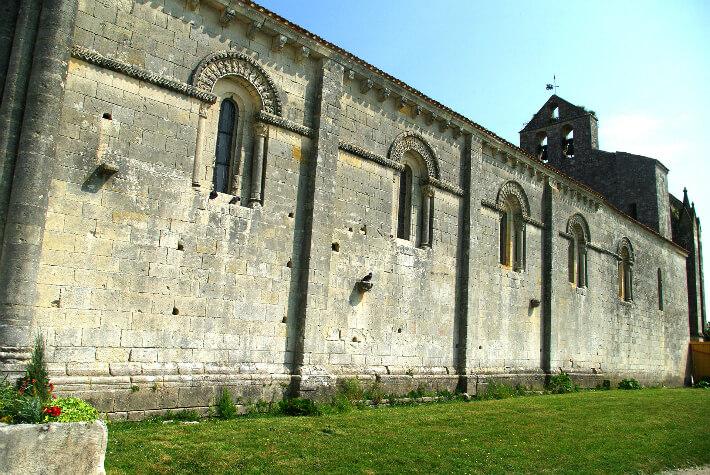 Église Saint-Hérie de Matha - Nef - 2011