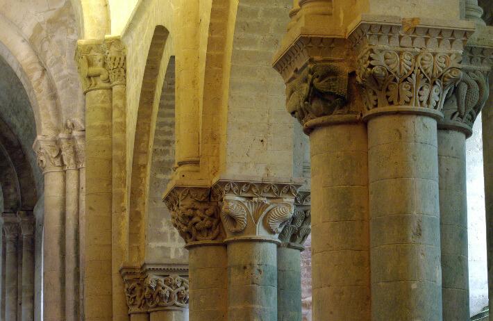 Église Saint-Pierre d'Aulnay - Chapiteaux de la nef - 2015