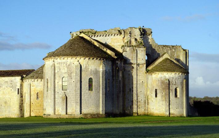 Église Saint-Jean-l'Évangéliste de Trizay - Chevet - 2016