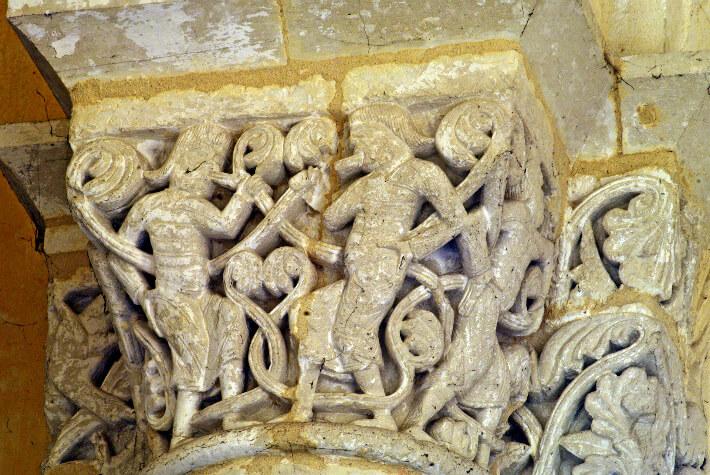 Église Saint-Eutrope de Saintes - Chapiteau de la croisée du transept - 2011