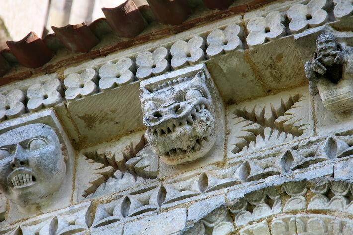Église Saint-Trojan de Rétaud - Modillons et métopes du chevet - 2016