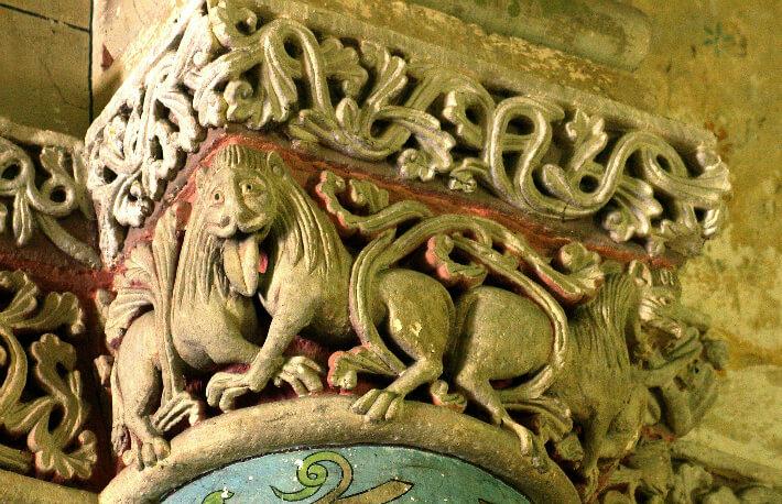 Église Saint-Sulpice de Marignac - Chapiteau de la croisée du transept - Lions bicorporés - 2007