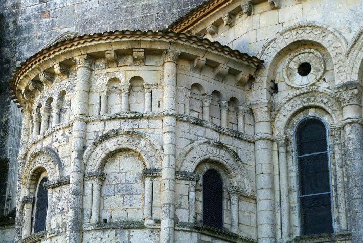 Église Saint-Eutrope de Saintes - Modénature et décor des parties hautes du chevet - 2011
