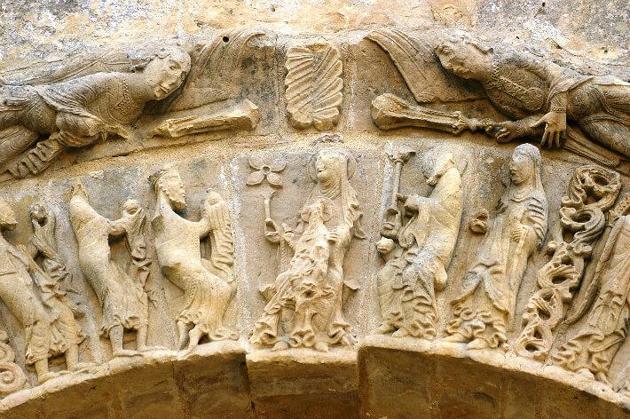 Église Notre-Dame de Nuaillé-sur-Boutonne - Voussure du portail - Adoration des Mages - 2006
