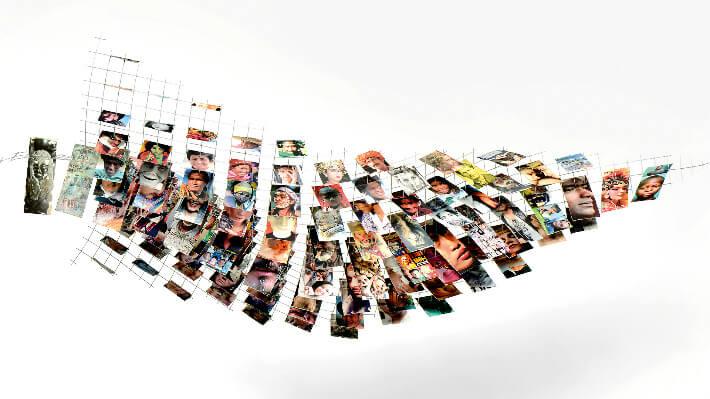 La Rumeur Dévisage - Sculpture mobile en treillis soudé cintré et collages de papiers vernis // 130 x 39 x 60(H) cm