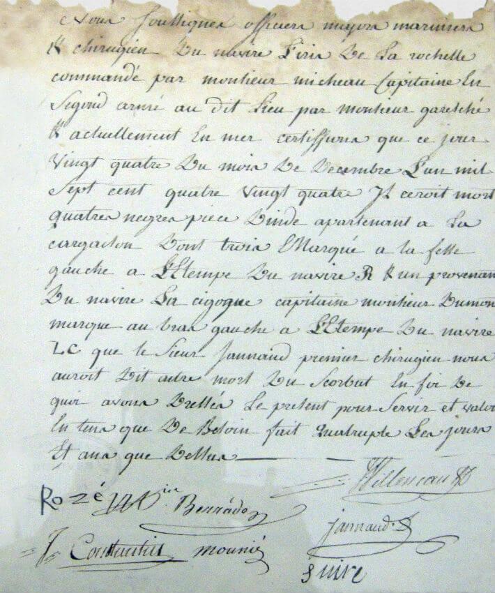 Décès de Noirs en mer : Procès verbal dressé à bord du vaisseau l'Iris pour le décès de quatre « nègres, pièces d'inde », le 24 décembre 1784.