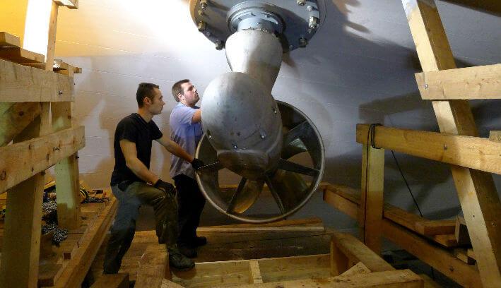 Installation des propulseurs azimutaux Masson - 8/12/2011