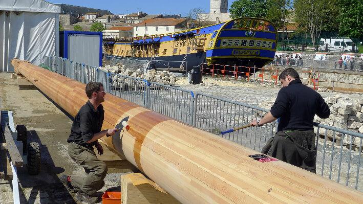 Travail sur un mât de L'Hermione - 02/05/2012