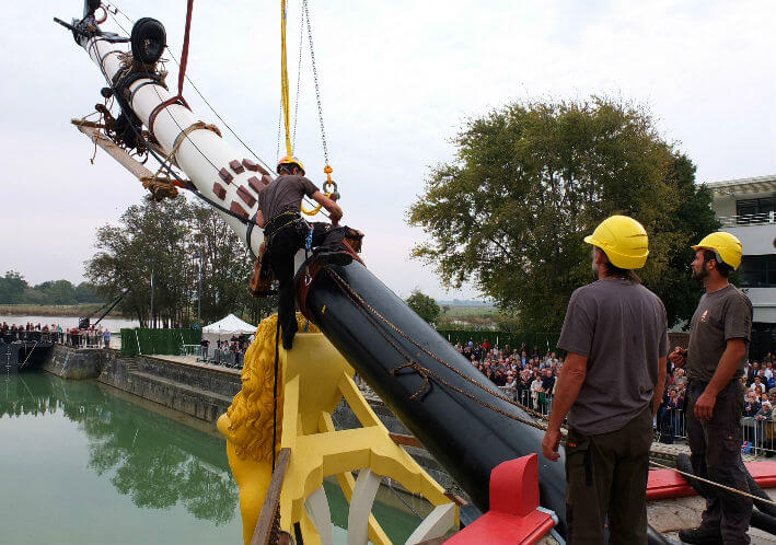Installation du mât de beaupré - 02/05/2012