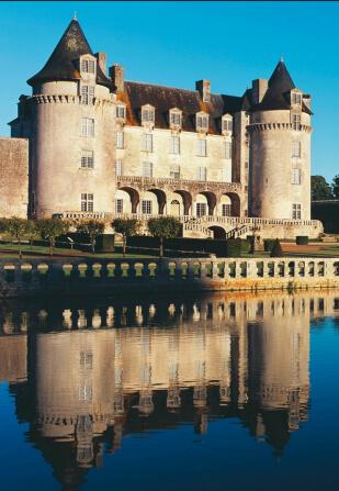 La Roche-Courbon – Château – XVe / XVIIe siècle