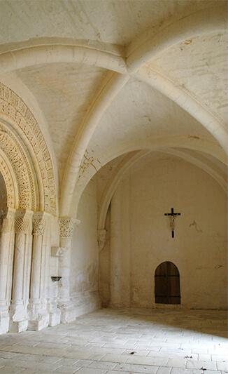 Église de Sainte-Gemme - Voûte d'ogives romane -  2015