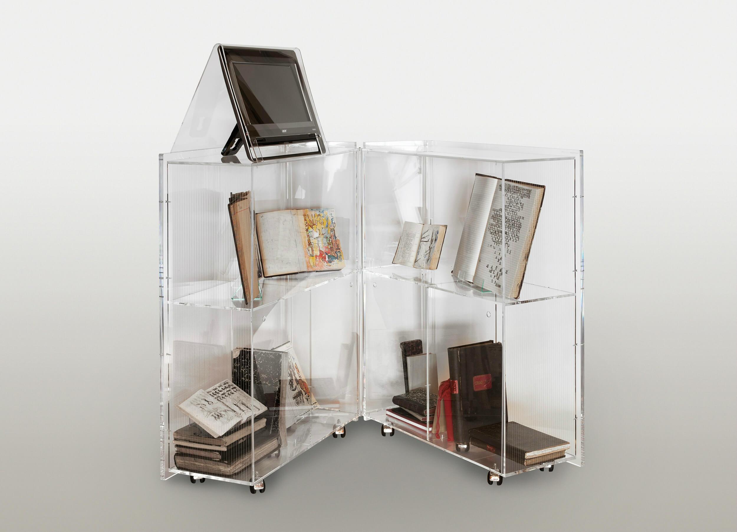 Gérard LHÉRITEAU - Tempo primo - Plexiglass, encre de Chine, aquarelle, acrylique sur registres anciens, 200 x 180 x 45 cm